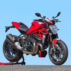 The 2016 Ducati Monster 1200 R By: Ducati.com Via: @cyclelaw  #ducatistagram #ducati #monster  #1200r