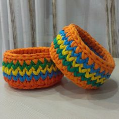 Две близняшки в коллекцию @mango_nailbar #корзинкаизтрикотажнойпряжи #корзинкакрючком #вязаниеизтрикотажнойпряжи #вязание #вязаниеБлаговещенск #вязаниеназаказ #вязаниекрючком #люблювязать #кактусвяжет #ручнаяработа #декор #декордлядома #knit #knitting #iloveknit #iloveknitting #crochet #kaktusknit #handmade #decor #decorhome #macarooons #хоминыдрузья