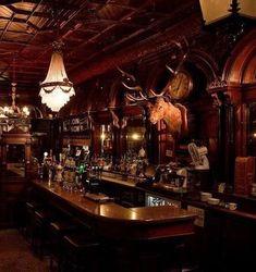 Victorian Back Bar Irish Pub Design For cigar lounge? Pub Bar, Café Bar, Pub Design, House Design, Decoration Restaurant, Restaurant Design, Taverna Medieval, Irish Pub Decor, Irish Pub Interior