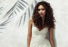 Eksperttipsene for deg med krøller | Stylista.no hår hårtips hair krøller hårfrisyrer http://stylista.no/trender-og-guider/eksperttipsene-for-deg-med-kr%C3%B8ller