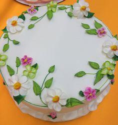 Summer cake Pretty Cakes, Beautiful Cakes, Amazing Cakes, Cake Decorating Amazing, Cookie Decorating, 80 Birthday Cake, Chocolate Fudge Frosting, Cake Writing, Ice Cake