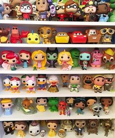 Day 5 of the tag by ON THE SHELF I decided to take a photo of the Funko Pop shelf for this picture I have such a huge Funko wishlist Pop Disney, Cute Disney, Disney Art, Funko Pop Shelves, Funko Pop Display, Funko Pop Dolls, Disney Parque, Funk Pop, Figurine Pop