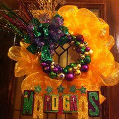 Mesh ribbon and bulb MARDI GRAS wreath