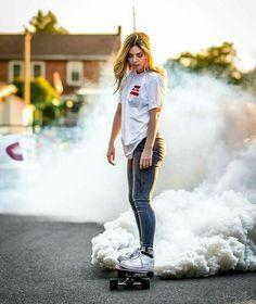 Smoke Bomb Photo Idea With Skateboard Smoke Bomb Photography, Self Portrait Photography, Tumblr Photography, Creative Photography, Photography Poses, Fashion Photography, Digital Photography, Artistic Photography, Photography Degree