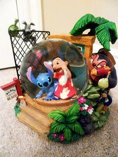 Lilo and Stitch Adoption Lilo And Stitch Characters, Lilo And Stitch Ohana, Lilo Stitch, Diy Snow Globe, Snow Globes, Water Globes, Disney Fun, Disney Mickey, Disney Princess Nursery