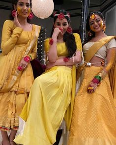 Teen Celebrities, Celebs, Best Beauty Blender, Helly Shah, Best Friend Drawings, Indian Drama, Bridal Wedding Dresses, Wedding Flowers, Unique Dresses