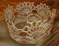 Corona de princesita a ganchillo.  Crochet princess crown.