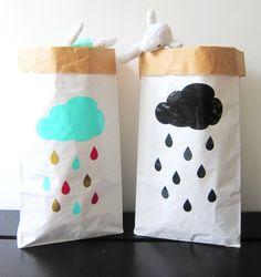 Image of « Pluie » Sac de rangement en papier pour chambre d'enfants