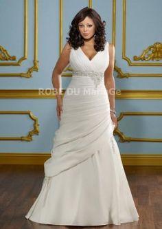Col en V robe de mariée grande taille en satin perles plis lacet dans le dos