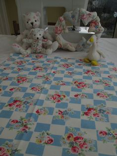 BN Very Pretty Vintage Cath Kidston Cotton Duck Remnant In Daisy Rose Check
