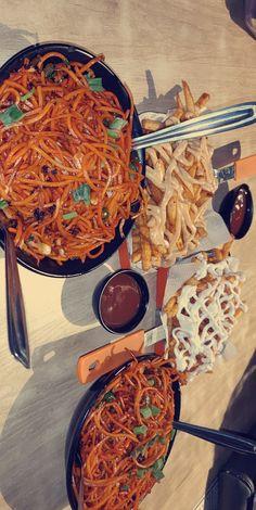 Sleepover Food, Food Vids, Chai Recipe, Good Food, Yummy Food, Snap Food, Food Snapchat, Fake Food, Aesthetic Food
