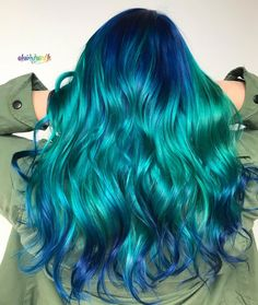 blue highlight wavy curl haistyle with layers, hairstyle design for medium length hair, Unique hair color ideas , Hair color for summer, Cute Hair Colors, Hair Color Blue, Cool Hair Color, Green Hair, Blue Green, Frontal Hairstyles, Cool Hairstyles, Pinterest Hair, Long Wavy Hair