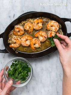 Spanish garlic shrimp - Aimee Ketogenic Home Shellfish Recipes, Seafood Recipes, Pasta Recipes, Beef Recipes, Cooking Recipes, Healthy Recipes, Avocado Salad Recipes, Salmon Recipes, Food Dinners
