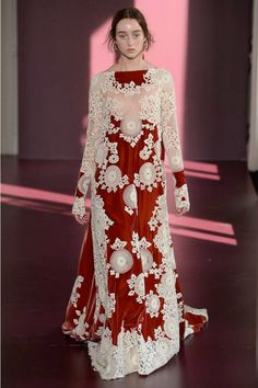 Valentino  #VogueRussia #couture #fallwinter2017 #Valentino #VogueCollections