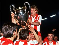 Red Star Belgrade celebrate their European Cup Final win. Credit: Colorsport.