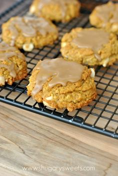 Chewy Pumpkin Oatmeal Cookies with White Chocolate Morsels and Maple #Decorated Cookies| http://decorated-cookies-940.lemoncoin.org