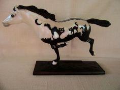 Breyer Mischief Night Classic Halloween Horse Glows in The Dark 2014 L K | eBay