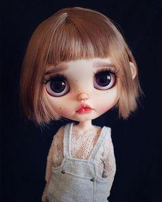 Ooak Dolls, Blythe Dolls, Art Dolls, Alice Costume, Ugly Dolls, Kawaii Doll, Doll Repaint, Boy Doll, Knitted Dolls