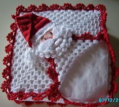 icu ~ Pin on Crochet Xmas Ideas ~ You can add different air to your home with small touches. In the past, young girls used to make these napkin sets. Even my mother… Crochet Santa, Christmas Crochet Patterns, Holiday Crochet, Crochet Home, Crochet Crafts, Crochet Projects, Crochet Baby, Christmas Items, Christmas Projects
