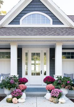 Purple Fall Front Porch - The Lilypad Cottage Purple fall front porch, dark grey sided home featuring mums in shades of purple with hints of faux orange florals and leaves Design Exterior, Exterior Paint, Navy House Exterior, Grey Siding House, Gray Siding, Exterior Shutters, House Goals, Style At Home, Porch Decorating