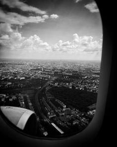Decending to Berlin ... //  Oliver Haaker // www.haaker.photo // #munich #muenchen #münchen #muc #bavaria #visitbavaria #hiddenmunich #bayern #streetsofmunich #igersmunich #igersmuenchen #pictures #photography #huffpostgram  #haakerphoto #instagram #instastyle #picoftheday #instamood #blackandwhite #latestrelease #untaggable #awesome #plane #airport #berlin