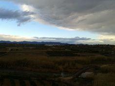 La tormenta repentina alejándose de Ribarroja del Turia a primera hora de la mañana
