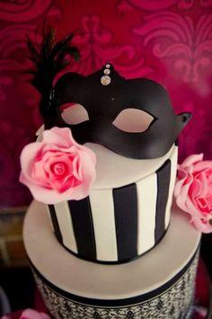 from daphne - Tiered Phantom of the Opera cake. Masquerade Cakes, Masquerade Ball Party, Masquerade Theme, Pretty Cakes, Beautiful Cakes, Amazing Cakes, Opera Cake, Party Fiesta, Sweet 16 Cakes