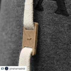 Genial colección que presentan nuestros amigos de @pirahamadrid  #Repost @pirahamadrid with @repostapp  Es el resultado de utilizar tecnología de impresión 3D aplicada a ropa para hombre.  Pirahã introduce la colección otoño/invierno 2015.  #Pirahã #3dprinting #laywood #fashiontech #CMi #AW15 by kuutio3d