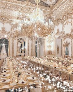 Crushing on the vintage vibe of this opulent wedding reception! Photo via Royalty Wedding Theme, Wedding Themes, Wedding Designs, Wedding Ideas, Wedding Details, Wedding Inspiration, Design Inspiration, Wedding Dresses, Wedding Bells