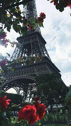 The Eiffel Tower, Paris Paris Torre Eiffel, Paris Eiffel Tower, Natur Wallpaper, Travel Photographie, Paris Wallpaper, I Love Paris, Paris Photography, Photography Flowers, Paris Travel