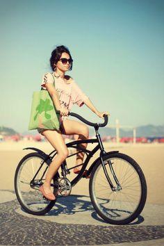 Vacation style Minimalist Style, Minimalist Fashion, Casual Street Style, Casual Chic, Summer Beauty Tips, Vacation Style, Modern Bohemian, My Ride, Sport Bikes