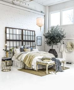 Inspirations in rustic chic style It's the famous Swedish website Ellos (which works in France with La Redoute for years), that presents its inspiration for a rustic chic interior for 2017. We are increasingly tempted to adopt it, this revisited style simple and warm.