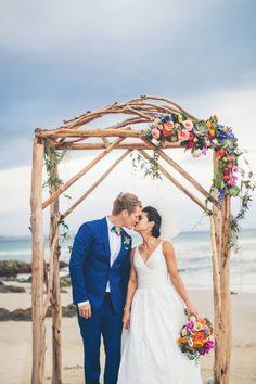 Beautiful and beachy: http://www.stylemepretty.com/australia-weddings/new-south-wales-au/byron-bay/2015/08/14/elegant-colorful-beach-wedding/ | Photography: Ivy Road - http://ivyroadphotography.com.au/