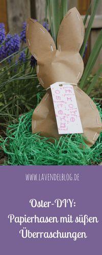Kreativ Ostergeschenke verpacken in süßen Papierhasen: Gefüllt sind die Osterhasen aus Packpapier mit Schokoladeneiern. Die Osternest Idee findet ihr im Blog. Übrigens: Die Papierosterhasen sind auch eine schöne Ostergeschenkidee für Erzieherinnen oder Oma und Opa.