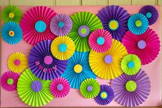 Bright and colorful paper fan background! L Knack Photography - DIY Blumen Paper Flowers Diy, Diy Paper, Paper Crafting, Flower Diy, Origami Flowers, Diy Birthday Decorations, Paper Decorations, Diy And Crafts, Crafts For Kids