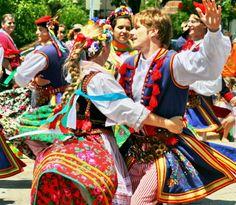 Polish dancers    http://cambiodollaroeuro.com/wp-content/uploads/Polish-Dancers.jpg