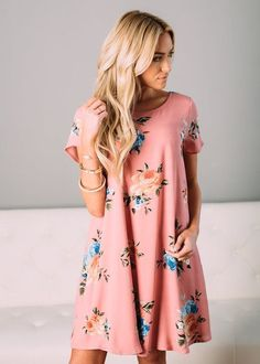Stitch Fix Spring/summer fashion inspiration. Try best clothing subscription company. Click on the picture to fill out your style profile and schedule your first fix. #sponsored #outfits #trending #dresses