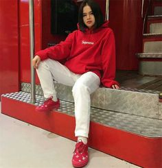 Supreme box logo hoodie Hooded hipop Hoodie Outfit, Supreme Box Logo Hoodie, White Jeans, Hoods, Khaki Pants, Fancy, Fashion Outfits, Jackets, Outfit Ideas