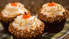 For the final installment of this year's pumpkin recipe series, we have a special cupcake that will add that pumpkin flair to any Halloween party. Disney Inspired Food, Disney Food, Disney Recipes, Disney Parks, Disney Cruise, Disney Stuff, Walt Disney, Canned Pumpkin, Pumpkin Spice