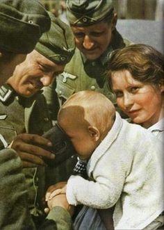 Third Reich Color Pictures: Amusement