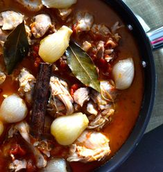 Stifado de pui - Bucatarie Greceasca Ramen, Cooking, Ethnic Recipes, Food, Kitchen, Eten, Meals, Cuisine, Diet