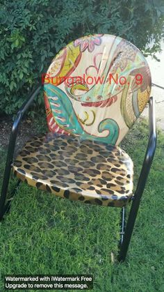#MetalChair Lawn Furniture, Funky Furniture, Furniture Makeover, Painted Furniture, Redoing Furniture, Western Furniture, Furniture Ideas, Painted Metal Chairs, Metal Lawn Chairs