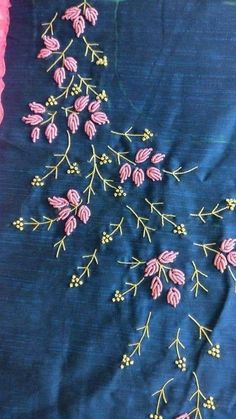 Saree Embroidery Design, Embroidery On Kurtis, Hand Embroidery Videos, Hand Embroidery Flowers, Hand Work Embroidery, Flower Embroidery Designs, Simple Embroidery, Hand Embroidery Stitches, Silk Ribbon Embroidery