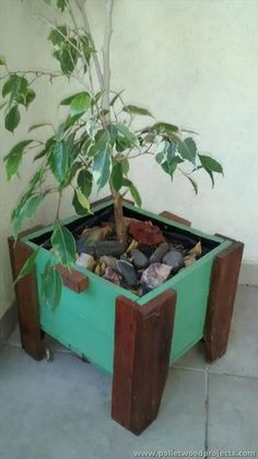 Upcycled Pallet Planter Box