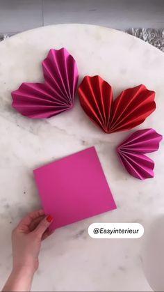 Diy Crafts Hacks, Diy Crafts For Gifts, Diy Home Crafts, Paper Flowers Craft, Paper Crafts Origami, Comida De Halloween Ideas, Diy For Kids, Crafts For Kids, Diy Presents