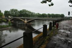 Un autre pont à Châtellerault : Camille de Hogues ! Autre objet du patrimoine local ...