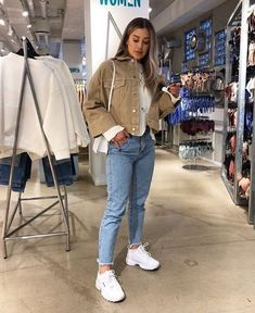 Autumn outfits Trendy outfits ideas for Winter style outfits Women Fashion Winter Outfits Fall Style Fashion Outfits Winter Fashion Outfits, Look Fashion, Autumn Winter Fashion, Winter Outfits, Winter Night Outfit, Fashion Weeks, Fashion Fashion, Mode Ootd, Vetement Fashion