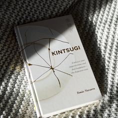 Book about #kintsugi from #hollyandco #embraceimperfects #perfectlyimperfect #youcandothis #inspirational #mustreads #goodreads #inspiringreads