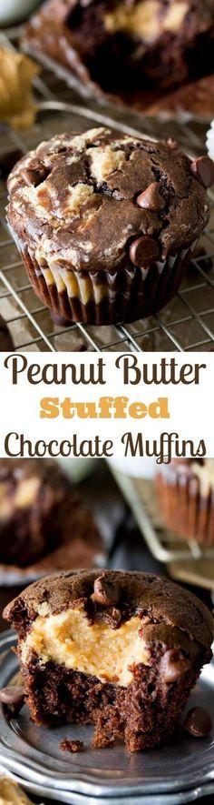 Peanut Butter Filled Chocolate Muffins SugarSpunRun via sugarsunrun Peanut Butter Filling, Peanut Butter Desserts, No Bake Desserts, Just Desserts, Delicious Desserts, Yummy Food, Peanut Butter Filled Cupcakes, Peanut Butter Muffins, Baking Desserts