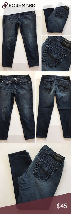 """[True Religion] women's cropped denim jeans 28 [True Religion] women's cropped denim jeans 28 •🆕listing •good pre-owned condition •length 24"""" •flat front waist measures about 15"""" •dark gray blue wash •material 82% cotton 17% elasterell 1% spandex •offers and bundles welcomed using the features••• True Religion Jeans Ankle & Cropped"""